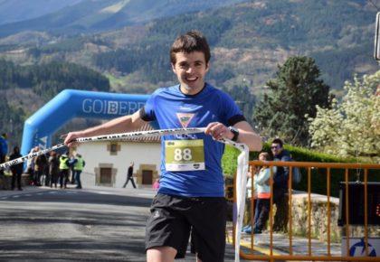 [HITZA] Iñaki Olanok bigarren aldiz eta Saioa Arkonada zegamarrak lehenengoz irabazi dute Gabiriako Leharrei mendi lasterketa
